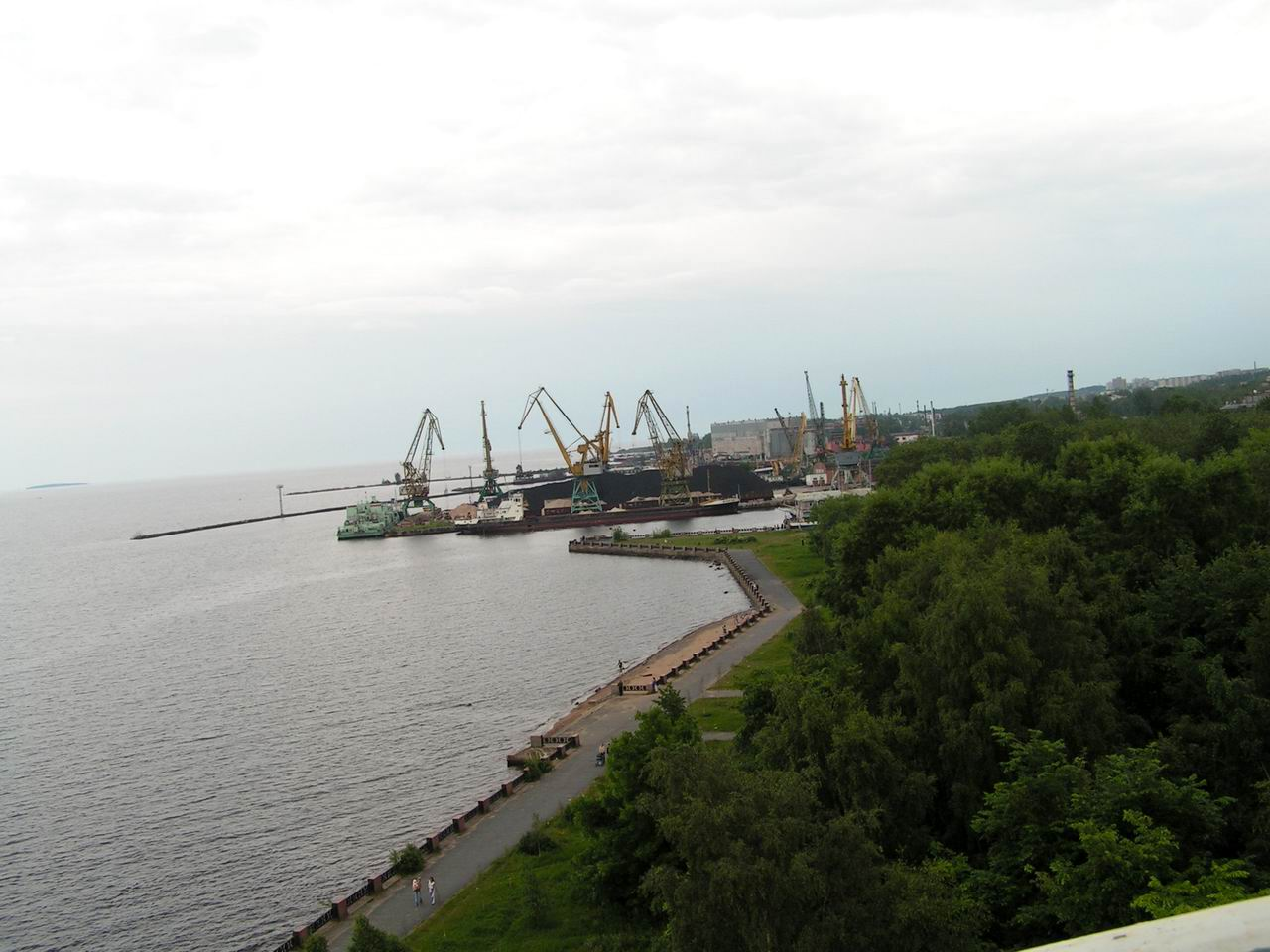 В петербурге появится индустриальный парк в порту бронка на финском заливе